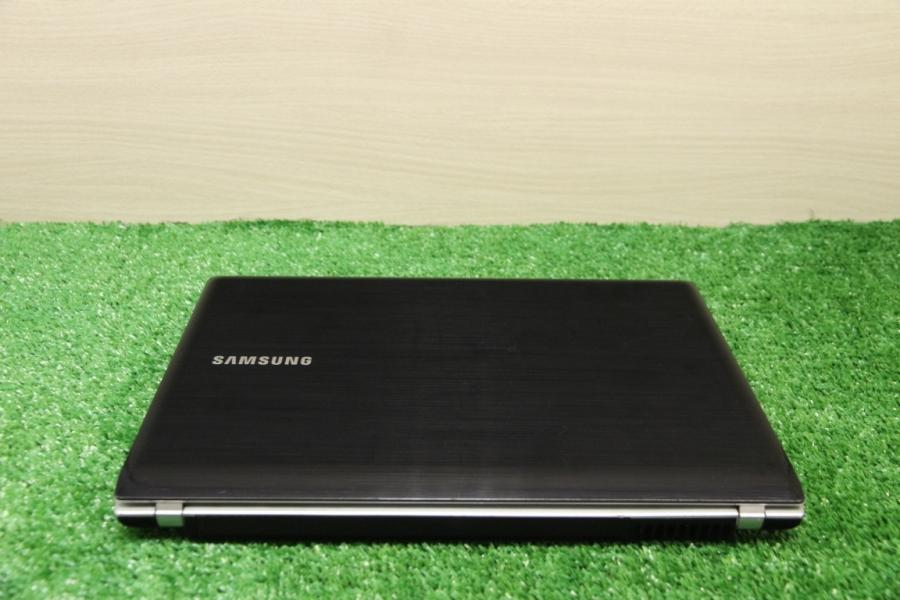 Samsung NP-Q330