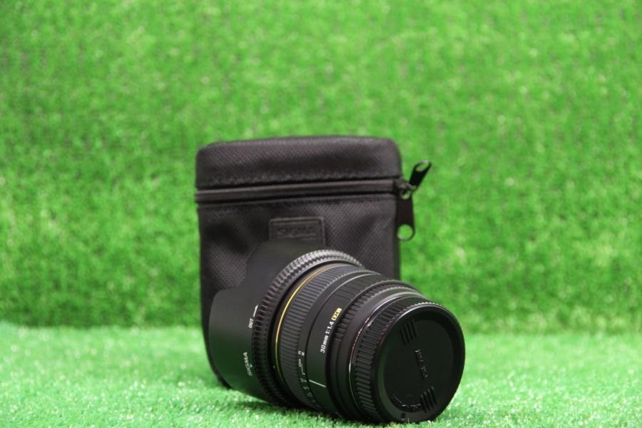 Sigma 30mm f/1.4 DC