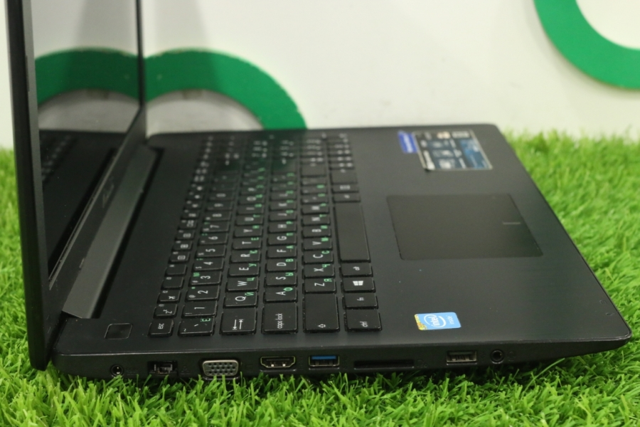 ASUS X553