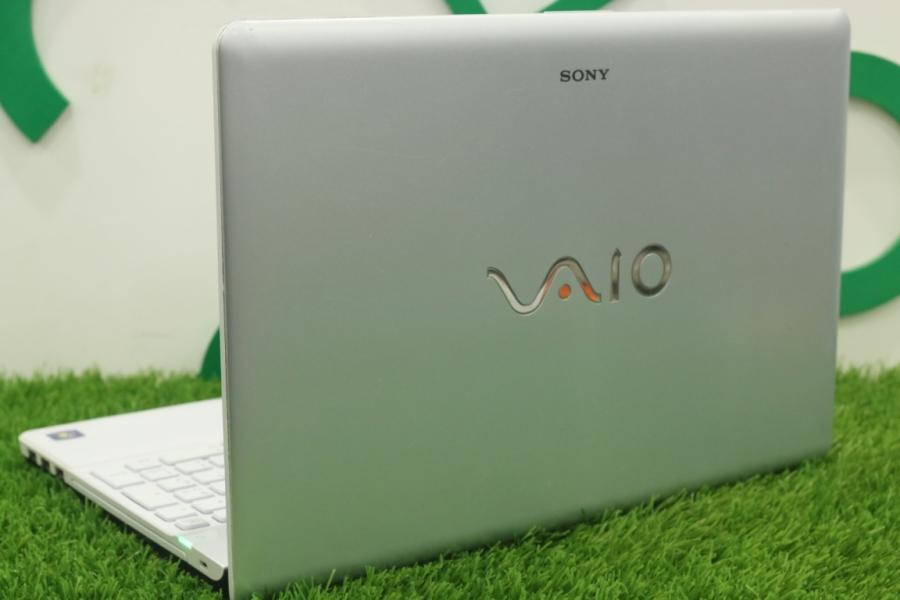 Sony VAIO VPCEB3E1R