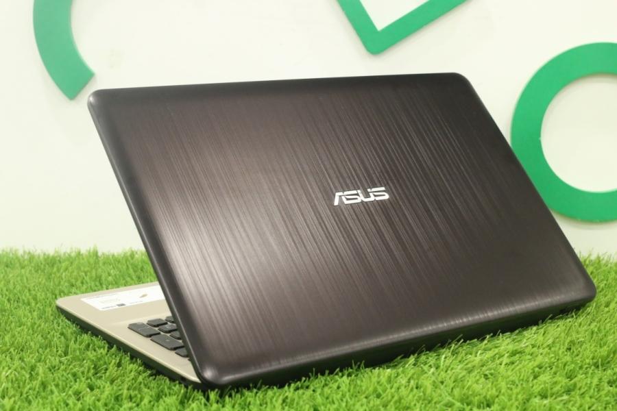 ASUS R541N