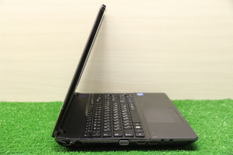 Samsung NP300E5A