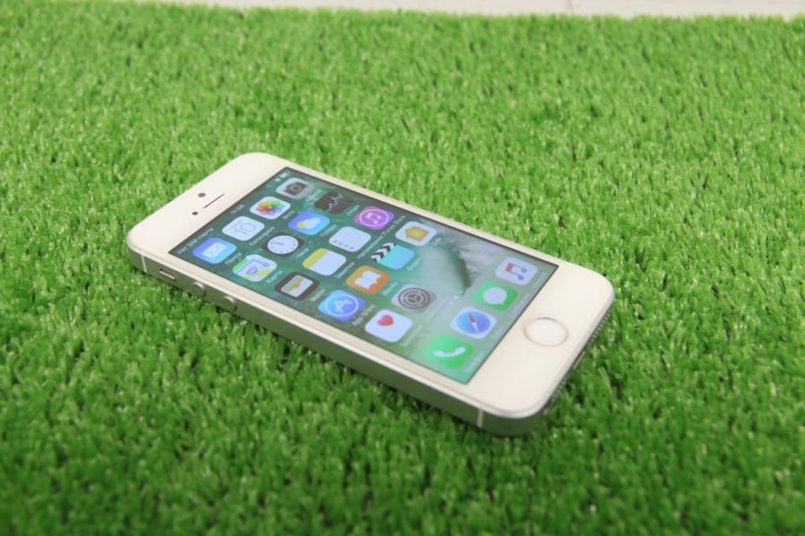 Новый Apple iPhone SE Silver 16Gb
