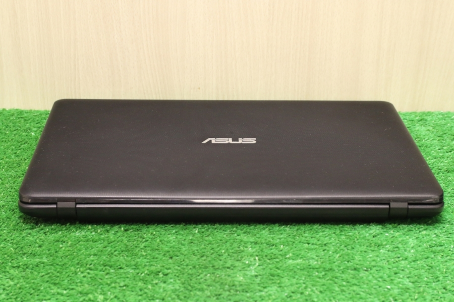 Asus X751MD-TY052H