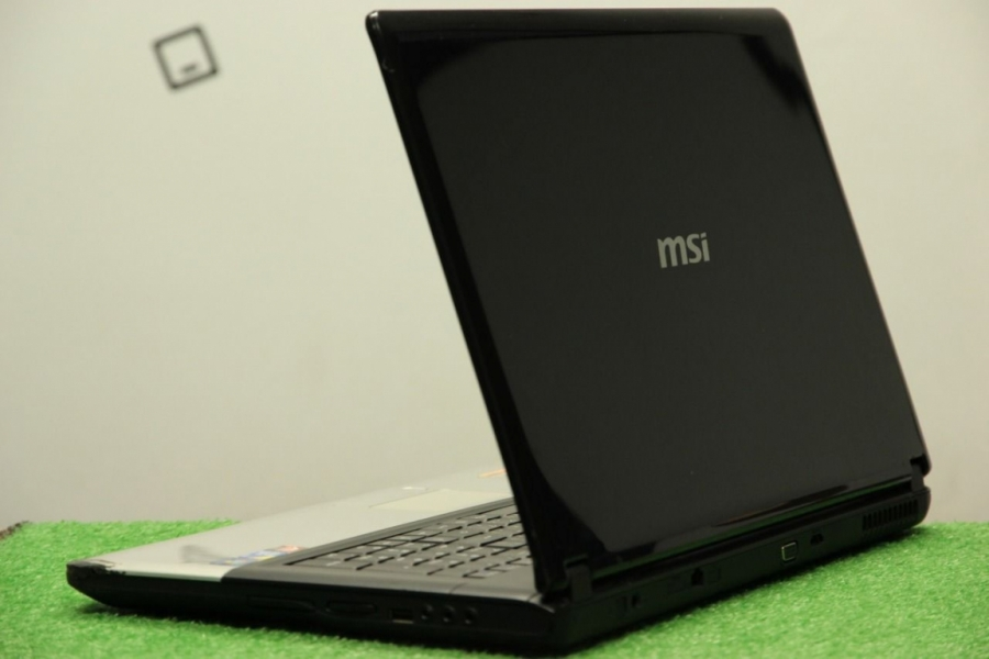 MSI CX700