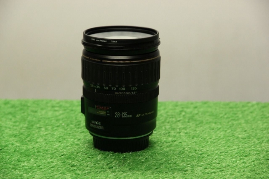 Canon EF 28-135mm f/3.5-5.6
