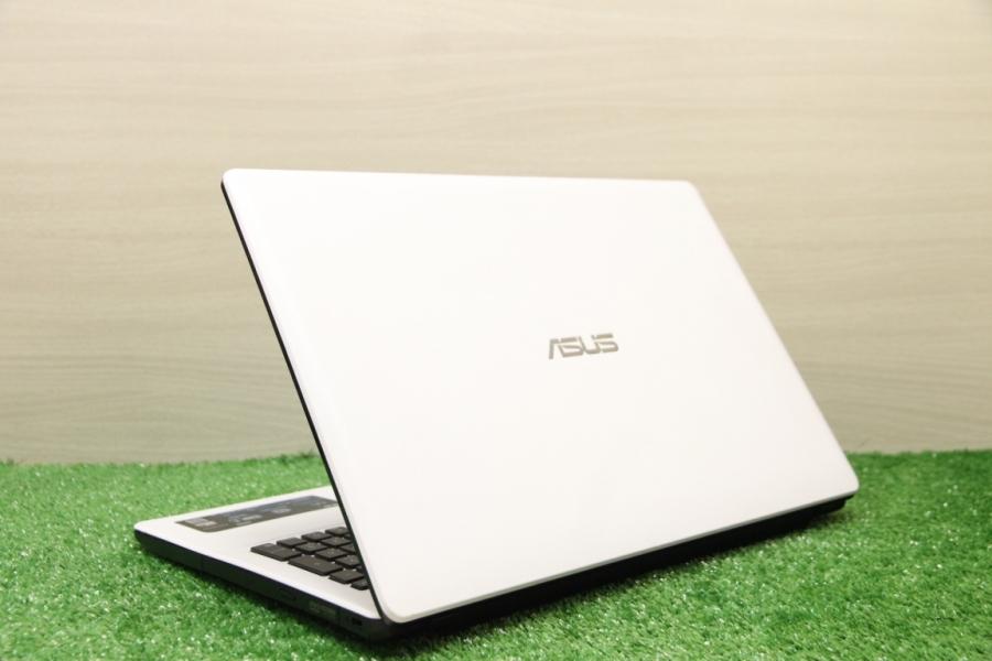 Asus X552EA-SX008H