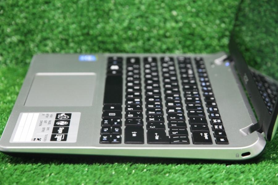 Acer V3-112P-C451