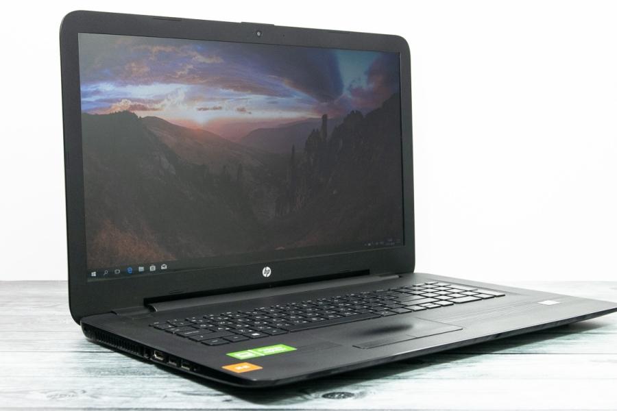 HP 17-y058ur