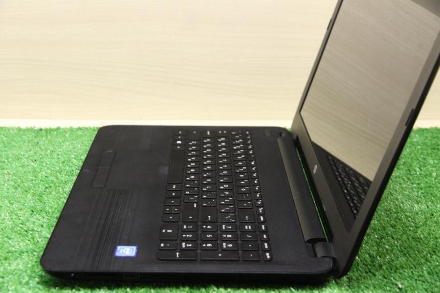 HP 15-ay028ur