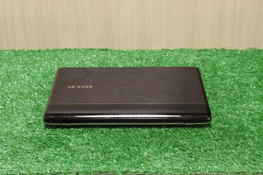 Samsung NP305U1A