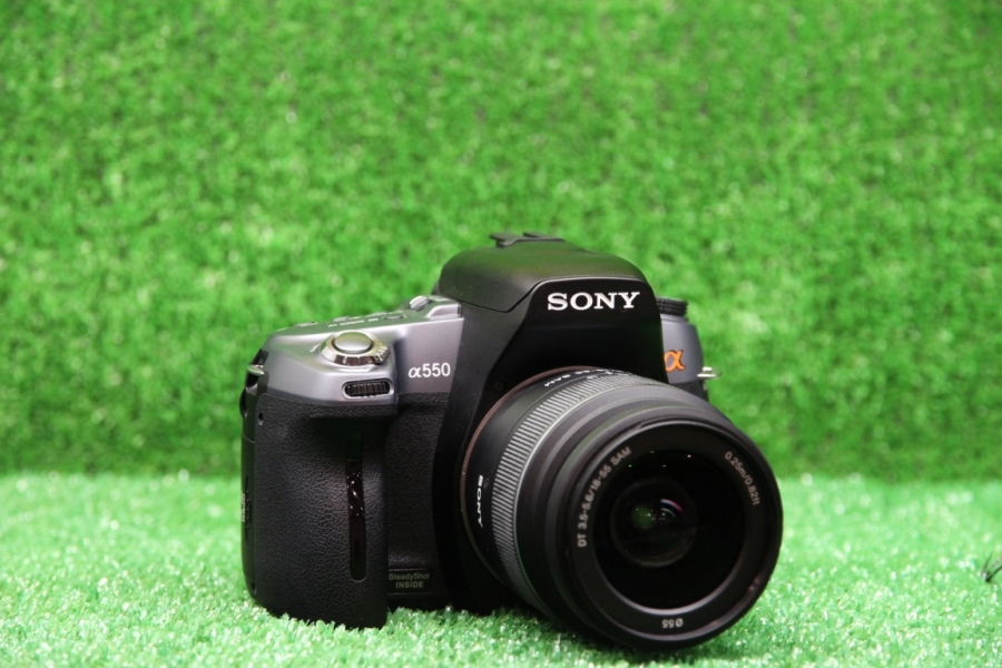 Sony Alpha DSLR-A550 Kit