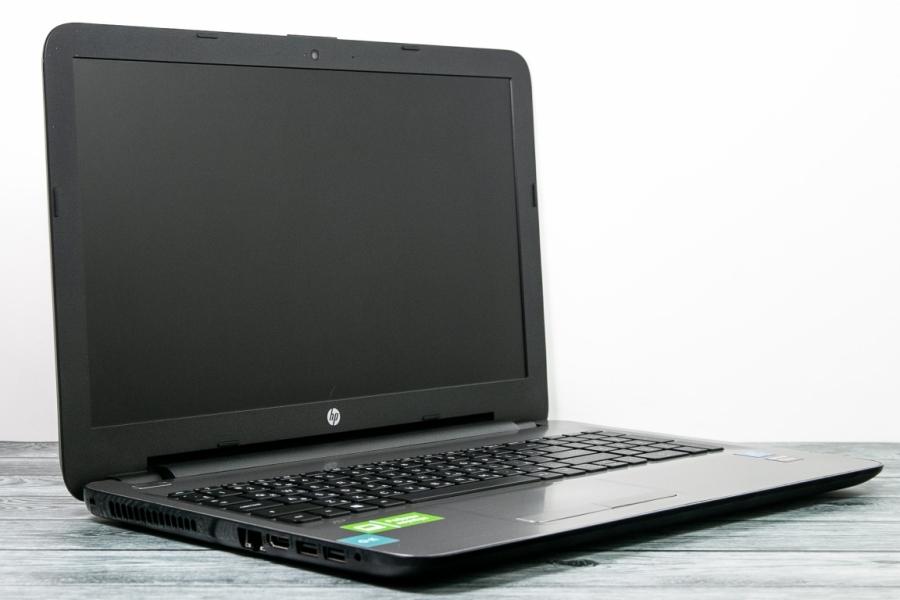 HP 15-ay000ur