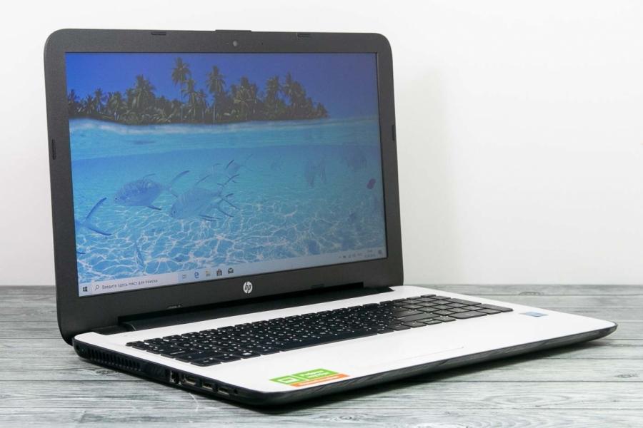 HP 15 AC009UR