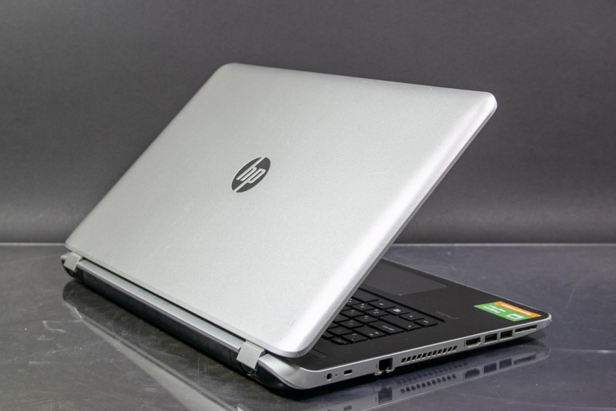 HP 17-f100nr