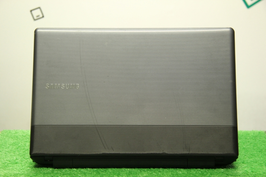 Samsung NP300e5z