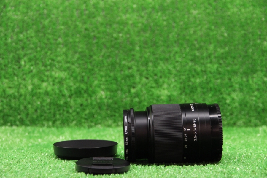 Sony DT 18-70mm f/3.5-5.6