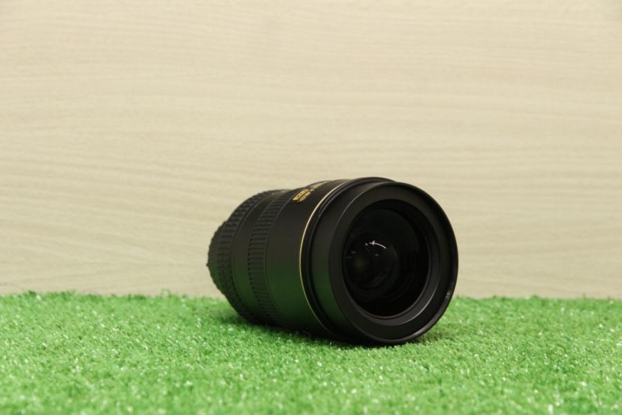 Nikon 17-55mm f/2.8G ED-IF