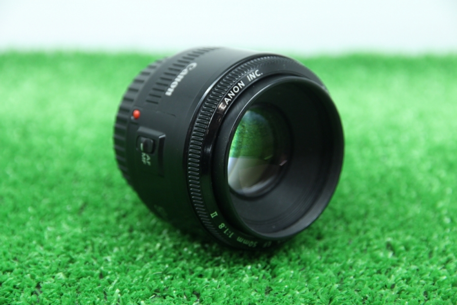 Canon EF 50mm f/1.8II