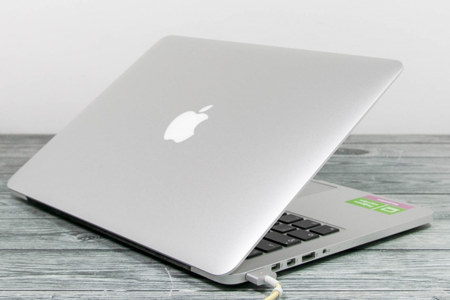 Apple MACBOOK PRO RETINA A1502