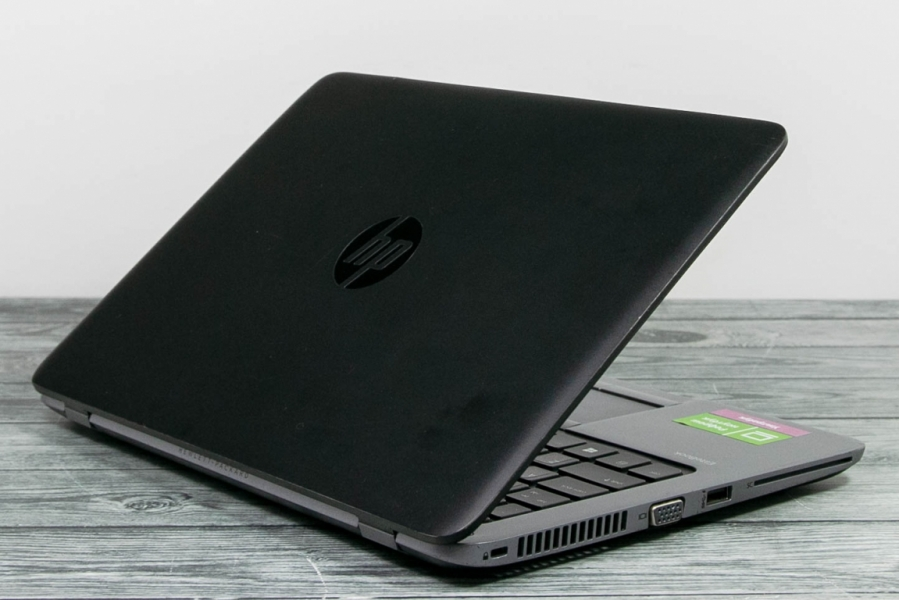 HP ELITEBOOK G1 820
