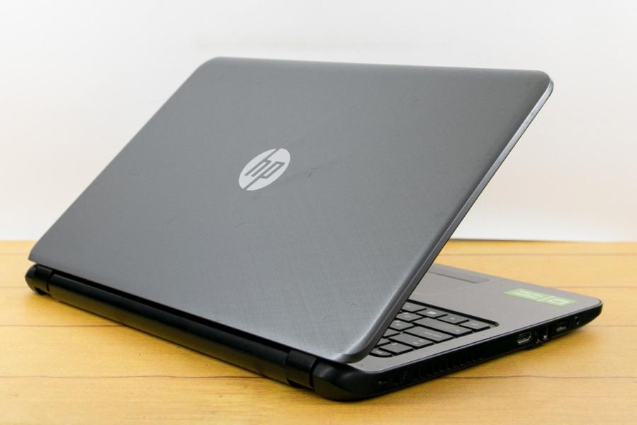 HP 15-R272UR