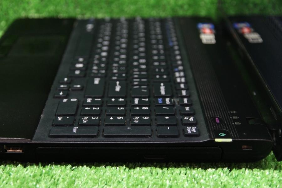 Sony Vaio VPC EE3M1R