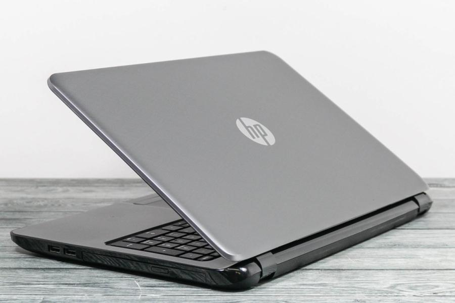 HP 15-G206UR