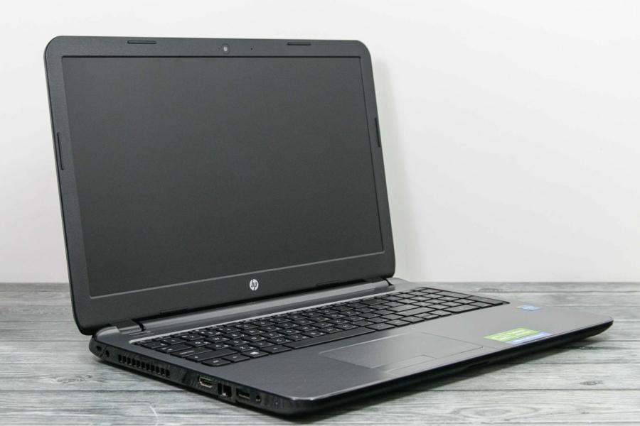 HP 15-R163NR