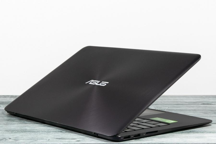 Asus UX305C