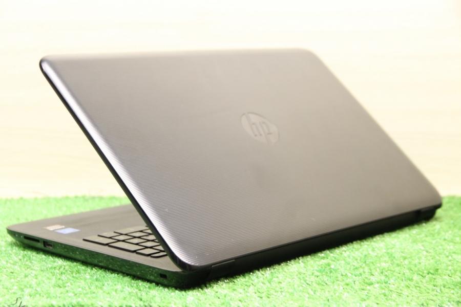 HP 15-ay030ur
