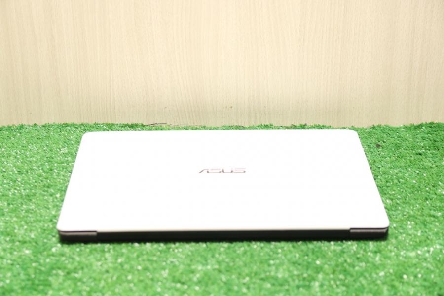 Asus X402CA-WX090D