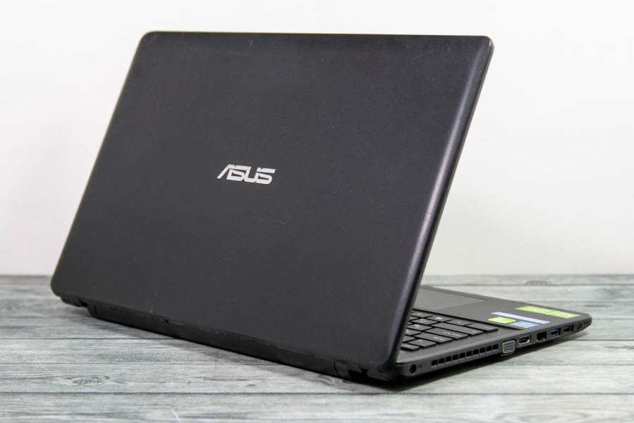 Asus  X552M