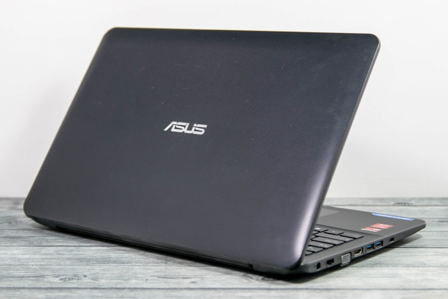 Asus  X555YL