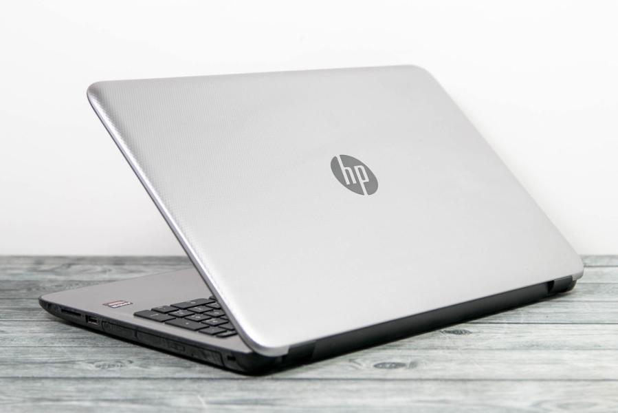 HP  15-AF138UR