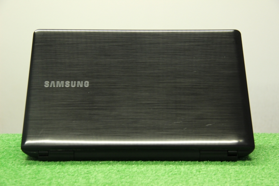 Samsung 300E5E