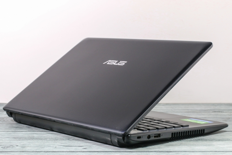 Asus F401A-WX538R