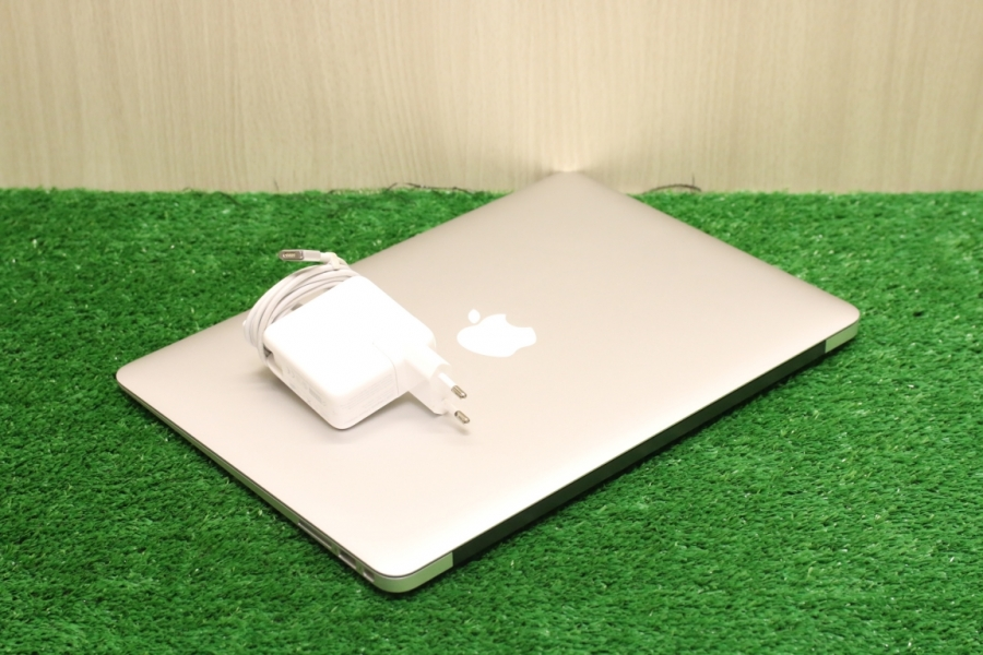 MacBook Air 13 Early 2015