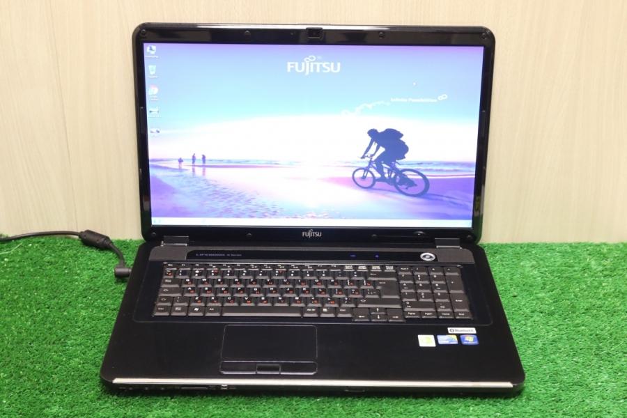 Fujitsu Lifebook NH570