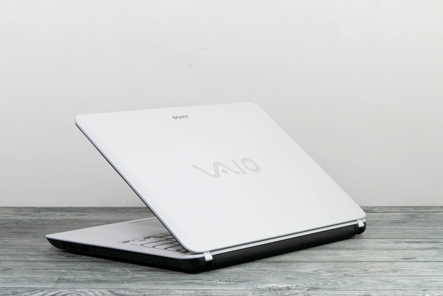 Sony VAIO SVF142C1WW