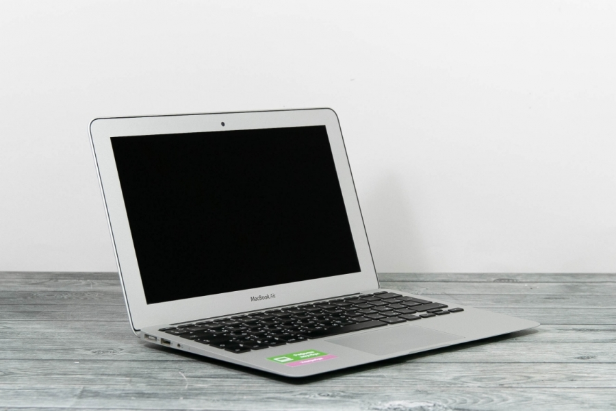Apple MacBook Air Mid 2012 A1465