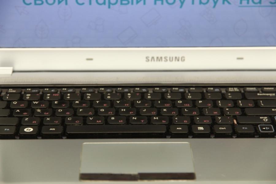Samsung RV 520