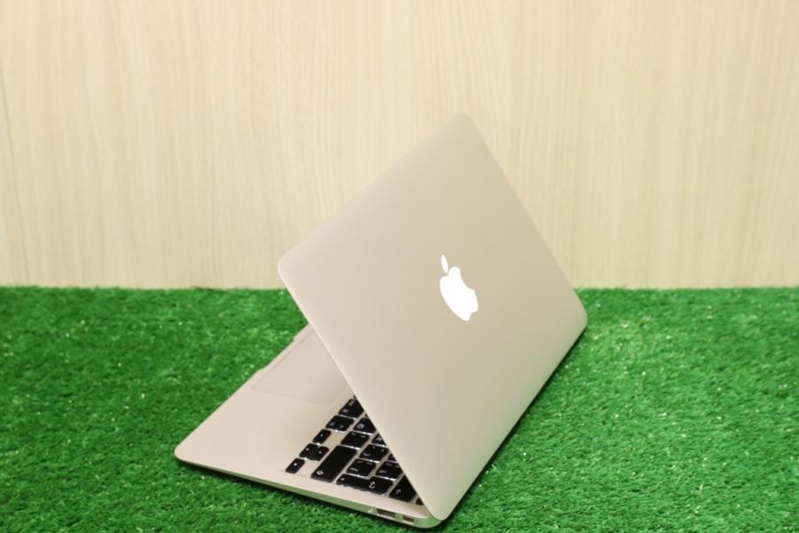 MacBook Air 11 Mid 2011