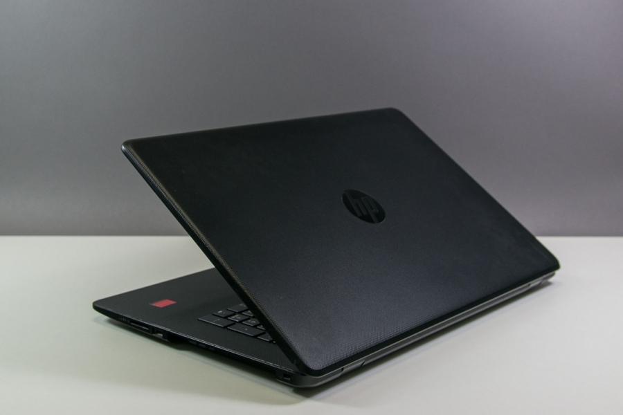 HP 17-AK045UR