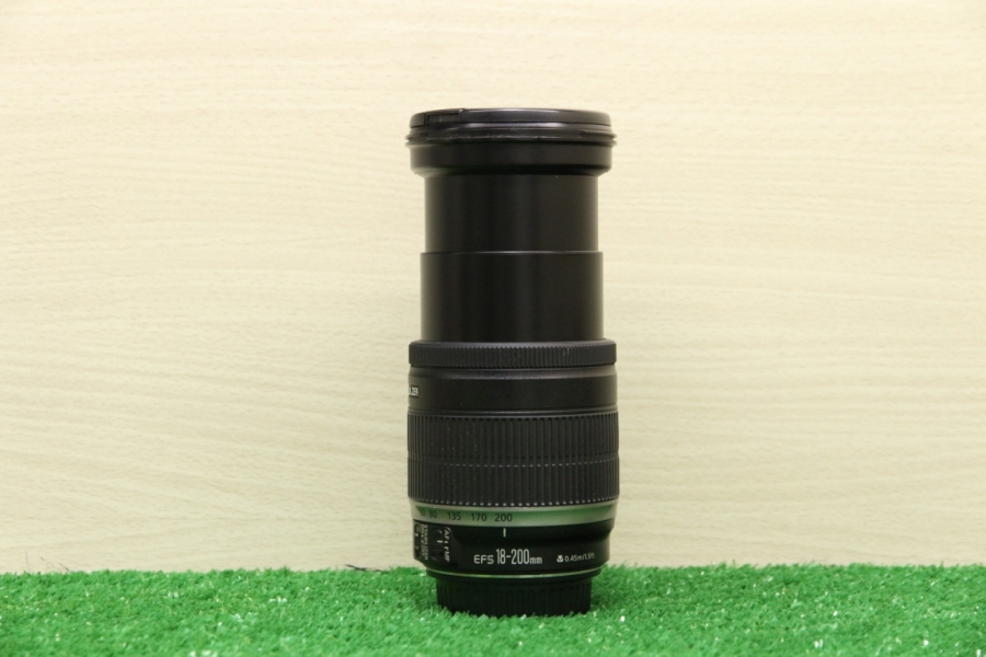 Canon 18-200mm f/3.5-5.6 IS