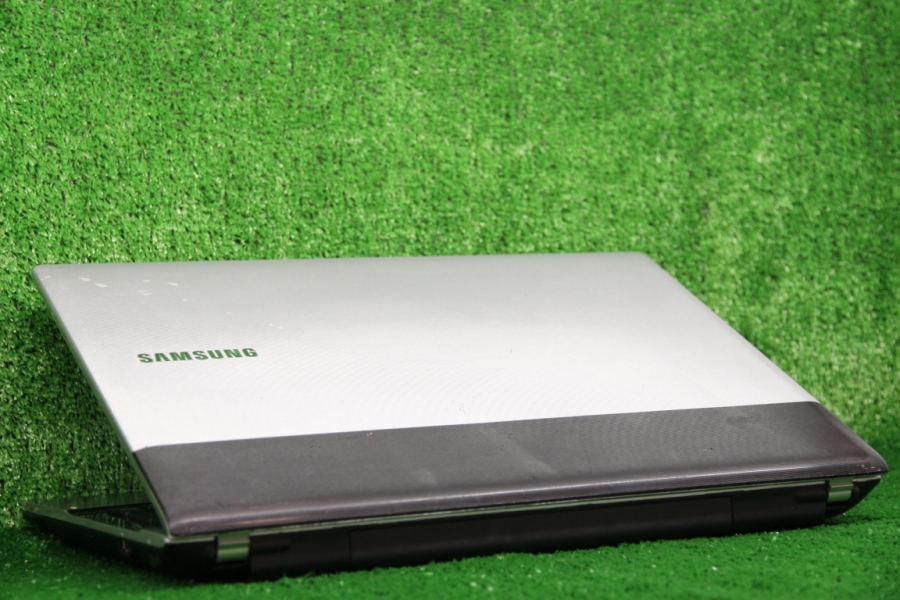 Samsung RV515