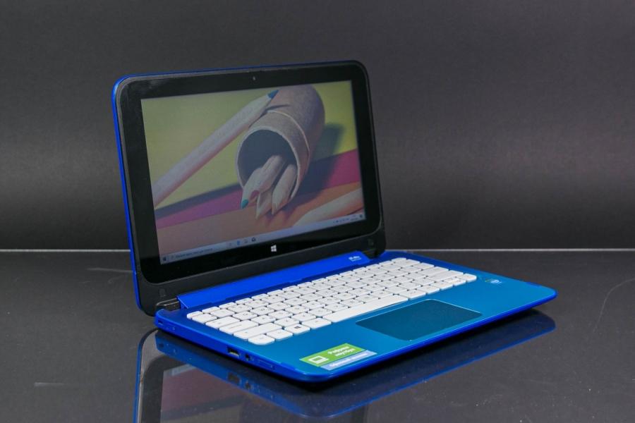 HP 11-P055UR