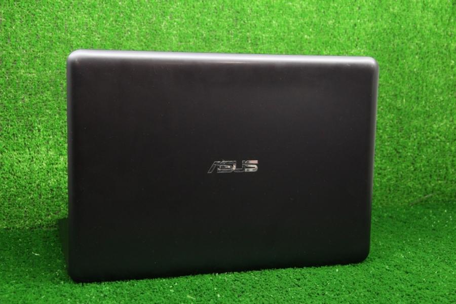 Asus E402SA