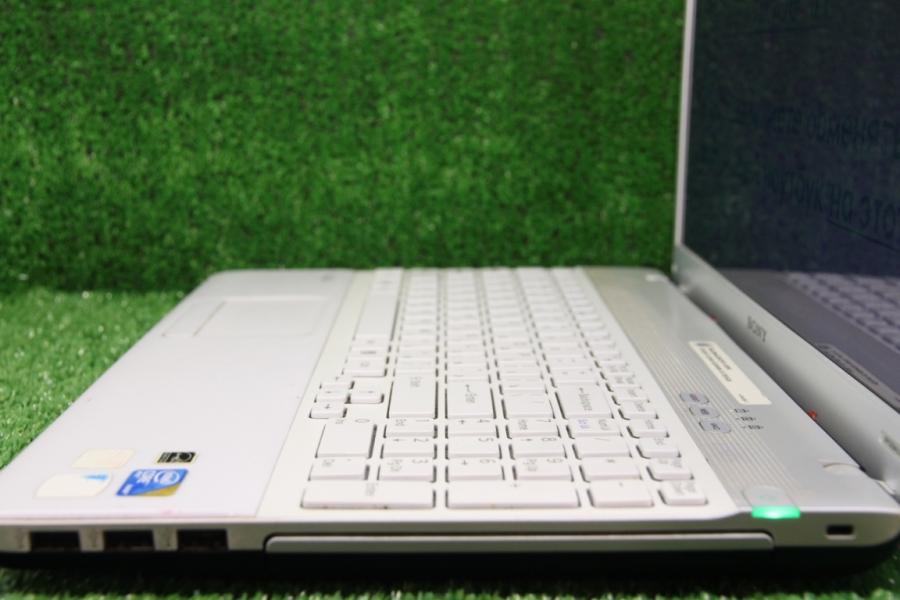 Sony Vaio VPC-EB4L1R