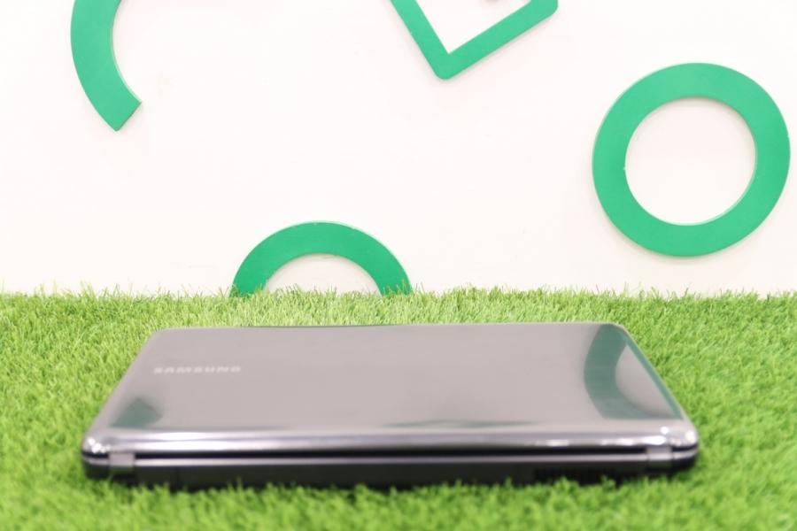 Samsung NP-R525